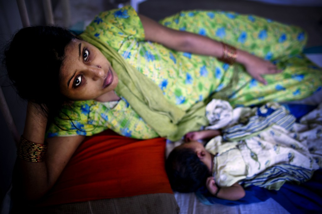 Mother and newborn in Allahabad, India