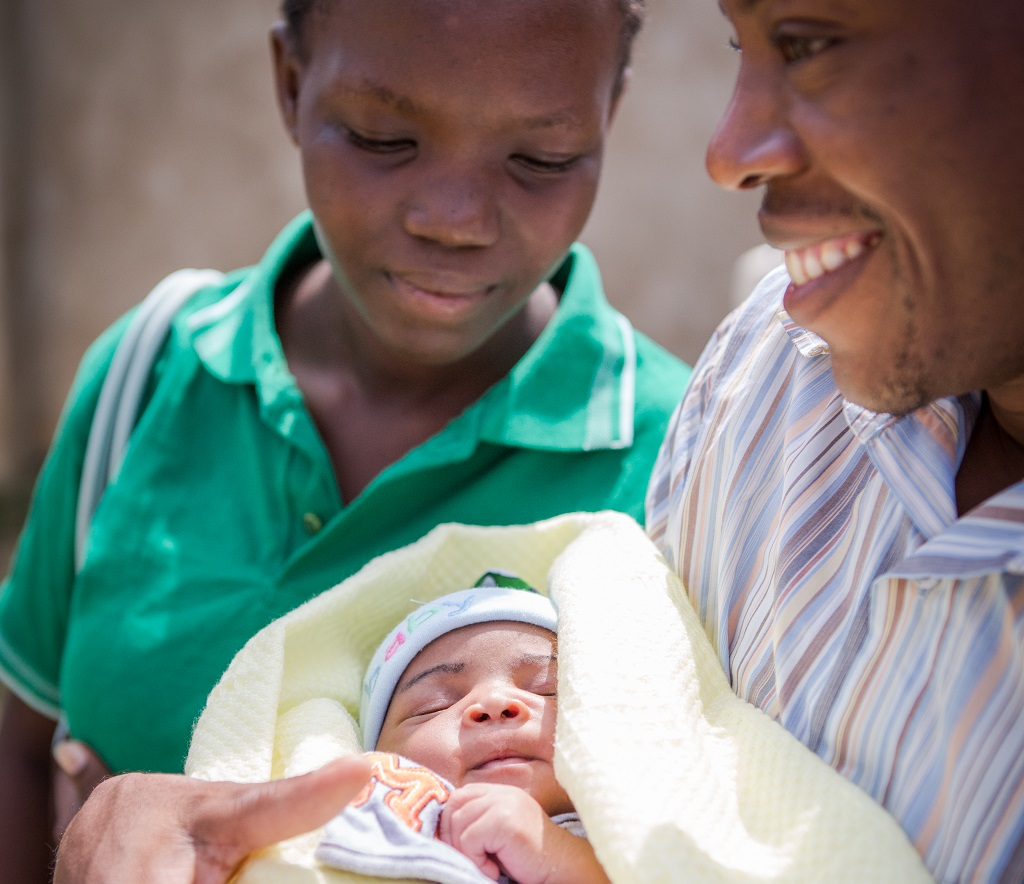 Mother, father and baby in Kenya