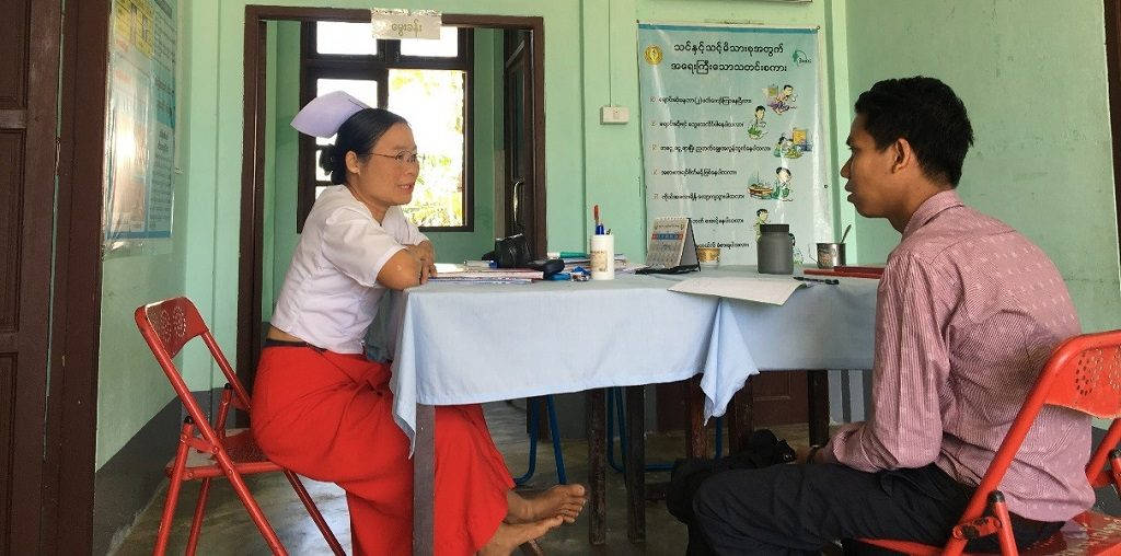 Midwife Naw Kamar Phaw speaks about her hopes for continued ICMV trainings with MCSP's Dr. Thu Naing.