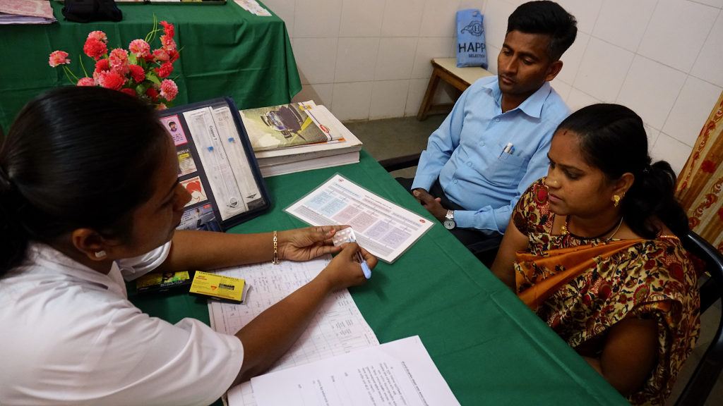 MCSP-trained nurse Rekha Amba Das Lad explains available contraceptive options to a couple who opts for Centchroman, a non-steroidal oral contraceptive pill.